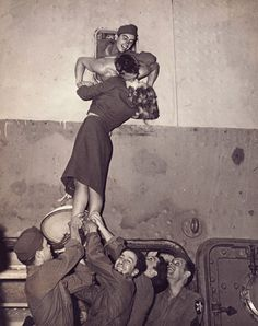 I have no memories of WWII, but love this old picture of WWII kiss  Romantic...