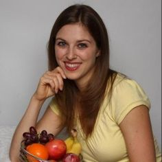 One of our graduates, Nicole Geurin, MPH, RD, has a blog where she posted her e-Portfolio and tutorials on how to use MyPyramid while completing her online Community Nutrition course.