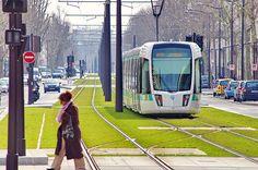 Paris le Tramway T3b Porte de Bagnolet 3
