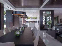 Sala de jantar de moderna e luxuosa