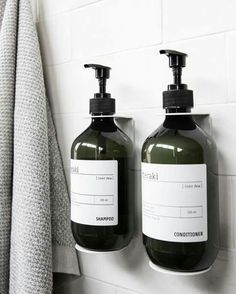 Super diy storage for small spaces tiny apartments baskets Ideas Bathroom Inspo, Laundry In Bathroom, Bathroom Styling, Bathroom Inspiration, Bathroom Interior, Small Bathroom, Bathroom Ideas, Zebra Bathroom, Bathroom Hacks