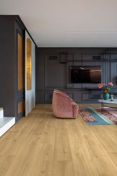 Quick-Step Laminate flooring - Signature 'Brushed oak warm natural' (SIG4762) in a trendy living room. Click here to discover your favorite living room floor. #laminat #flooring #inspiration #interiordesign #oak
