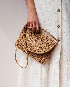 Crochet Raffia Clutch in Tan, Straw Summer Bag, Raffia Clutch Handbag, Tan Crochet Summer Bag, Crochet Straw Clutch — Marigold Bag Mochila Crochet, Bag Crochet, Crochet Purses, Crochet Summer, Knit Bag, Clutch Mini, Clutch Purse, Summer Tote Bags, Tan Handbags