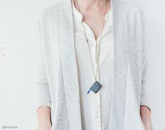 Ketten lang - Leder Grau Buch Anhänger, Notizbuch Anhänger - ein Designerstück von Buntmal bei DaWanda