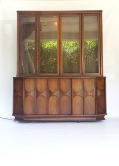 kent coffey perspecta credenza and china hutch this mid century modern china cabinet and credenza