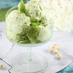 Lody pistacjowe Pistachio Ice Cream, Homemade Ice Cream, Oreo, Food Porn, Cooking Recipes, Baking, Ethnic Recipes, Dreams, Milk