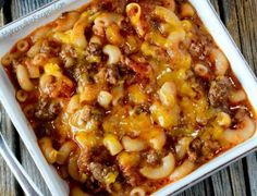 This Old Fashioned Goulash is one of those comfort food meals that everyone always loves because it's beefy, cheesy and filled with pasta goodness! Casserole Recipes, Pasta Recipes, New Recipes, Favorite Recipes, Recipies, Appetizer Recipes, Beef Dishes, Pasta Dishes, Food Dishes