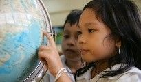 Aamunavauksia alakouluille •Maailman vesipäivänä 22.3. •YK:n päivänä 24.10. •Lapsen oikeuksien päivänä 20.11. •Afrikkalaisia satuja •Aamunavaus oppimisympäristön avulla (teemat: Lapsen oikeudet, vesi, köyhyys, terveys)