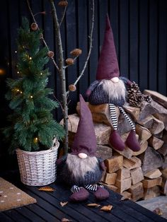 Karácsonyi manó NORNOR MA60cm ülő | JYSK Christmas Gnome, Christmas And New Year, Christmas Ornaments, Holiday Decor, Magazine, Patterns, Noel, Block Prints, Christmas Jewelry