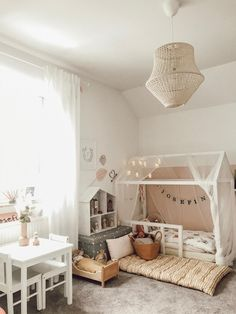 Children's room ideas for feel-good stalls: how it works! Girls Bedroom, Bedroom Decor, Girl Rooms, Build A Wall, Baby Room, Family Room, Toddler Bed, Sweet Home, Living Room