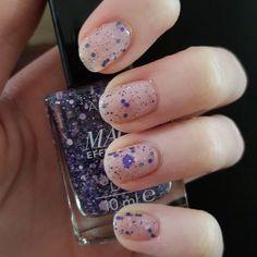 """#nailstagram #nailart #avon #magiceffects #lace #nails #ciate #cutiepie"""