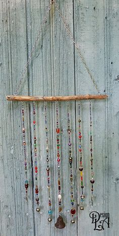 Very nice decoration for the garden, porch, veranda, terrace and even indoors. It is not noisy. Cherry branch. The bark was removed to prevent rotting.