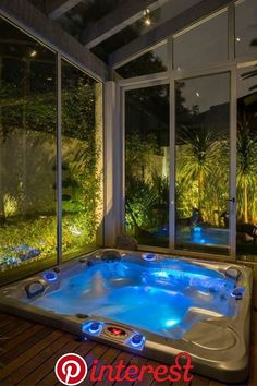 40 Lovely Jaccuzzis Ideas - When people refer to a hot tub or a spa, they often think of the word Jacuzzi. The terms are often used interchangeably but Jacuzzi is actually a bran. Inground Hot Tub, Indoor Jacuzzi, Indoor Hot Tubs, Indoor Pools, Jacuzzi Room, Spa Jacuzzi, Pool Spa, Hot Tub Room, Bath Room