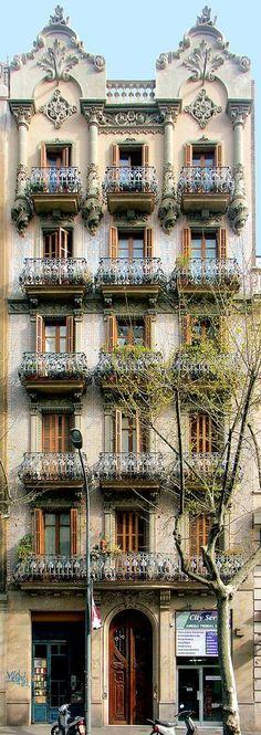 Barcelona - Mallorca 180 a   Modernisme