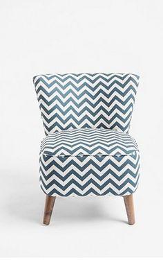 love chevron, love slipper chairs!