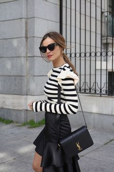 ruffle top looks - Lady Addict  http://stylelovely.com/ladyaddict/2017/02/miercoles