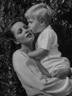Alida Valli Actress alida valli with her