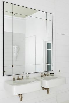 Love this mirror :) Home of Interior Designer Justine Hugh-Jones Photo by Nicky Ryan for Est Magazine Room Interior Design, Stylish Interiors, House Design, Bathroom Interior, Bathroom Decor, Big Bathrooms, Simple House Design, Bathroom Interior Design, Bathroom Design