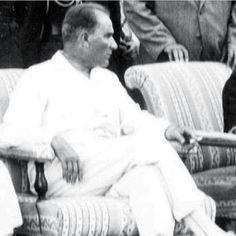 Atatürk/ Asalet/Karizma/Büyük Önder Yasemin Aksu