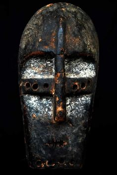 LEGYA MINIATURE MASK Legya masks can be assigned different uses and meanings,they were widely used during initiation ceremonies of Legya men. African Masks, African Art, Tribe Of Judah, Antique Fairs, Cool Masks, Masks Art, Tribal Art, Congo, Black People