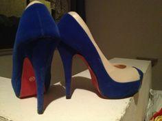 High Heels  Blau, beige high heels 1 mal getragen Am absatz kleine knabberspuren (dank meinem Hund) fällt nicht auf wenn man sie an hat Gr. 38