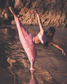 Nina Choi is a competitive dancer who trains and competes with the award winning dance company Project 21 in Orange County, California. Dance Picture Poses, Dance Photo Shoot, Dance Photos, Dance Pictures, Photo Poses, Ballerina Photography, Dance Photography Poses, Dark Fantasy Art, Contemporary Dance Poses