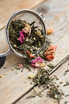 Each plant offers its own flavor, so mix and match to find a tea blend that's perfect for you.