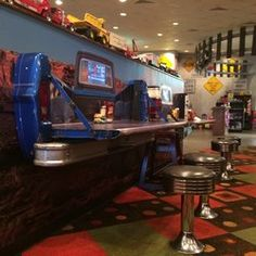 Themed restaurants create such a fun dining experience. If you haven't dined at any of these 10 themed restaurants, what are you waiting for? Tailgate Table, Truck Tailgate, Sweet Home Alabama, Rear Window, Whimsical, Road Trip, Restaurants, Dining, Restaurant