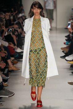 Vitorino Campos São Paulo Spring 2015 Fashion Show Runway Fashion, Fashion Show, Fashion Design, Spring 2015 Fashion, Frocks, Lace Skirt, Cool Outfits, Kimono Top, Vogue