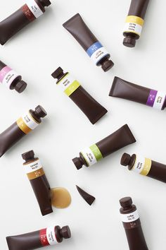 The Japanese-based design studio Nendo is the visionary behind this amazing edible art, which was designed as a limited edition item for the Seibu Department store in Japan. The set of 12 chocolates is shaped to look like beautiful tubes of oil paint packaged in a sleek brown gift box.