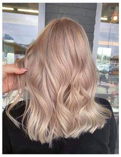 Warm Blonde Hair, Blonde Hair Looks, Champagne Hair, Hair Color And Cut, Hair Shades, Grunge Hair, Hair Highlights, Balayage Hair, Dyed Hair