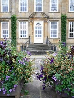 Bourton House Garden.... Anothern beautiful place I have visited and my favorite private garden from that trip!  Upper Burton, England