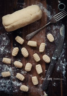 gluten free gnocchi I can't wait to try this. I miss gnocchi! Gnocchi Sans Gluten, Gluten Free Pasta, Gluten Free Dinner, Gluten Free Cooking, Gnocchi Recipes, Gf Recipes, Gluten Free Recipes, Spinach Recipes, Gluten Free Pierogi Recipe