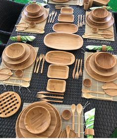 Image may contain: food - Dekoration Cool Kitchen Gadgets, Kitchen Items, Home Decor Kitchen, Kitchen Utensils, Interior Design Kitchen, Cool Kitchens, Diy Home Decor, Bamboo Crafts, Wooden Plates