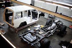 Mitsubishi Pajero -> Hyundai Galloper -> Mohenic Garages redesign - MohenicG Off-look ver. Old English White. www.the.co.kr