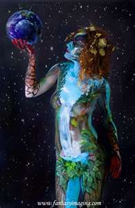 omg this is BODY PAINT! I so want to paint somebody other than me! Save Mother Earth, Mother Nature, Nature Artwork, Nature Wallpaper, Summer Nature Photography, Nature Aesthetic, Nature Tattoos, Nature Images, Patterns In Nature