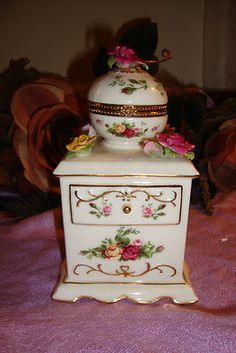 Royal Albert Music Box!!