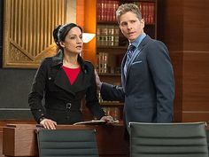15 TV Couples Who Need to Ring in the New Year with a Kiss | CARY & KALINDA, THE GOOD WIFE | With Archie Panjabi about to leave The Good Wife for good, we would love to see Cary (Matt Czuchry) finally eke a commitment out of Kalinda. It will make it hurt even worse when she disappears forever, but it will hurt so good.