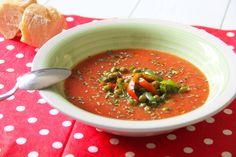 """ZUPPA DI POMODORO FREDDA Oggi si va in #Spagna, almeno con la mente! La zuppa al #pomodoro o """"#gazpacho"""" è un piatto tipico dell'Andalusia, ideale per questi caldi. Preparata con pomodori dell' Azienda Agricola Tetticastagno frullati e arricchita da verdure di stagione come i #peperoni, la #cipolla e i #piselli. Un piatto rinfrescante che si può servire anche come #cocktail con cubetti di ghiaccio oppure come #zuppa accompagnata da un ottimo pane. http://bit.ly/1JRgC0y #summerfood #estate"""