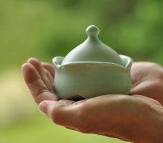 keepsake urn, Sea Glass Green Lucy Fagella