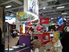 All colours and flowers decorate stand of Peru! #itbberlin
