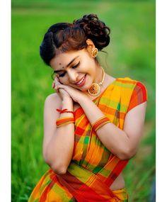 Photoshoot Pose Boy, Indian Photoshoot, Saree Photoshoot, Cute Beauty, Beauty Full Girl, Girl Pictures, Girl Photos, Indian Wedding Couple Photography, Love Couple Photo