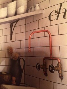 Copper pipe taps i'm currently making. Outdoor Sinks, Outdoor Baths, Copper Pipe Taps, Steampunk Bathroom, Rustic Bathroom Shelves, Barn Bathroom, Decoration Restaurant, Bungalow Renovation, Victorian Kitchen