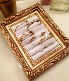 DIY Jewelry holder using a picture frame and rolled felt! Perfect for storing your favorite Stella & Dot rings!