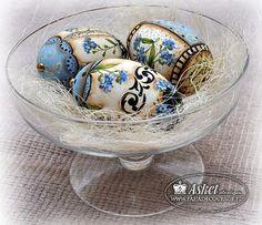jaja rustykalne wykonane techniką kolażu