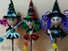 Brujitas de la suerte Halloween Manualidades Halloween, Pencil Toppers, Halloween 1, Biscuit, Fondant Figures, Girl Dolls, 4th Of July, Diy And Crafts, Christmas Ornaments