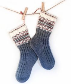 Ravelry: SNØ pattern by Wenche Roald Crochet Slipper Boots, Slipper Socks, Knit Mittens, Crochet Slippers, Knitting Socks, Knit Crochet, Fair Isle Knitting Patterns, Knitting Charts, Free Knitting
