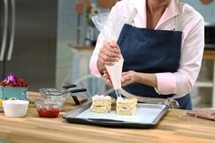 Judge Kyla Kennaley shares a step-by-step guide for making your favourite cake even more special. Chocolate Buttercream Recipe, Whipped Buttercream, Icing Recipe, Raspberry Fruit, Vanilla Sponge Cake, Espresso Powder, Chocolate Curls, Food N