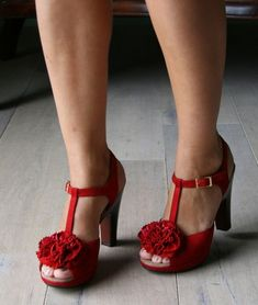 every pair of shoes from Chie, everything with roses, everything red... Perfect