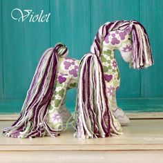 cute gifts for the horse and pony lover - equestrian themed gifts and fun stuff perfect for anyone who loves horses and ponies